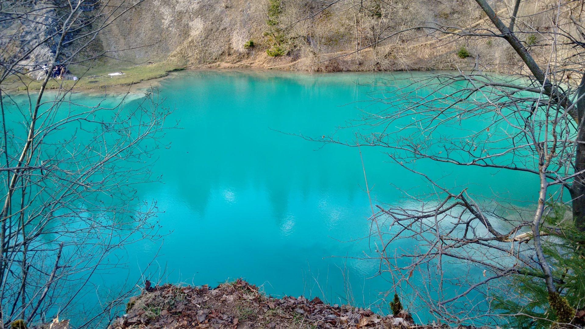 Le lac bleu turquoise de Rübeland